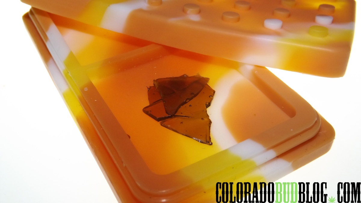 """Product Review: """"PocketSlab Concentrate Container for Shatter"""" from """"Errly Bird"""""""